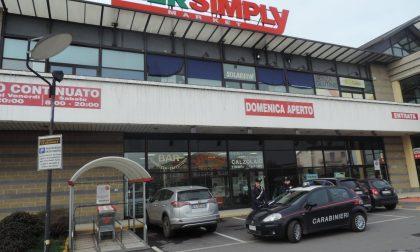 Ruba alcolici al supermercato, arrestato dai carabinieri