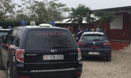 Perquisizione in corso a Mantova: 70 carabinieri e unità cinofile, setacciati i campi nomadi