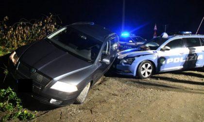 Schianto tra polizia e fuggitivi durante inseguimento: feriti due agenti della stradale di Chiari