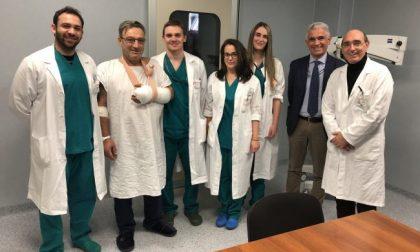 Mano amputata sul lavoro a Brescia, lo salvano i chirurghi del San Gerardo