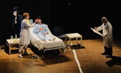 La clinica in scena a teatro a Pontevico