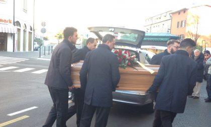 Addio a Cesare Venini (Jonny), oggi i funerali a Salò