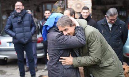Roberto Mancini ritorna alla comunità Shalom: caloroso saluto a suor Rosalina Ravasio FOTO