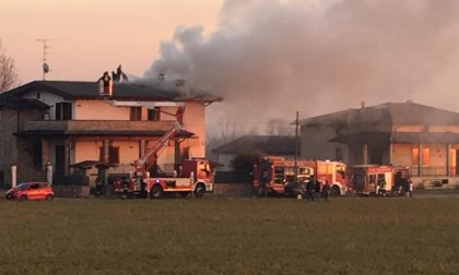 Palazzina in fiamme a Rodengo Saiano