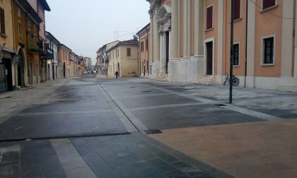 Borgosatollo sotto l'Albero trova la nuova piazza ristrutturata