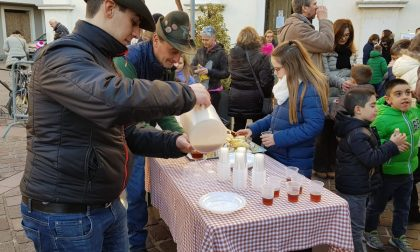 Alpini in piazza a Castel Goffredo: trippa e the caldo per tutti