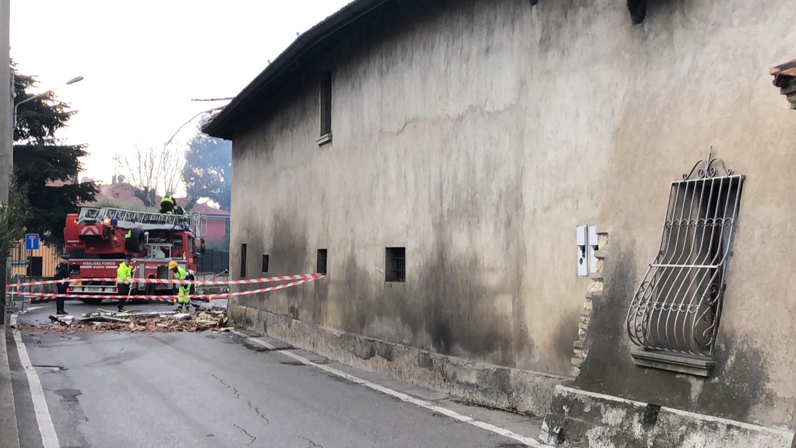 Casa Tua Arredamenti Rovato incendio a rovato: deposito a fuoco e un ustionato foto