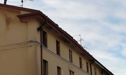 In centro a Manerbio piovono.. le tegole