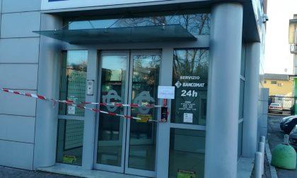 Ladri professionisti fanno esplodere il bancomat a Ghedi