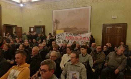 """Convegno Coldiretti Lonato: """"daspo urbano"""" ai disturbatori"""