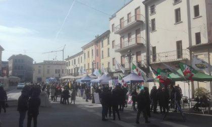 La campagna elettorale a Montichiari entra nel vivo: centro colorato di gazebi