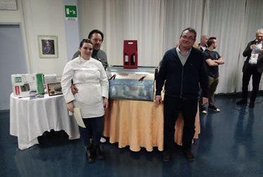 Sara Righetti vince la sfida dello spiedo all'alberghiero di Gardone Riviera