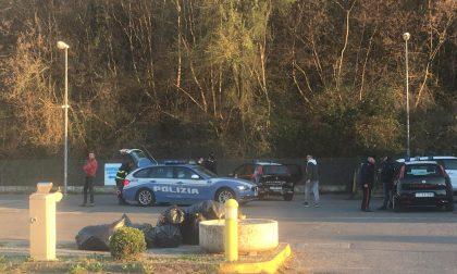 Camion tampona un'auto e i carabinieri a Clusane