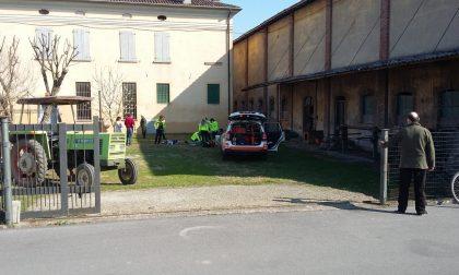 Agricoltore 72enne cade dal tetto