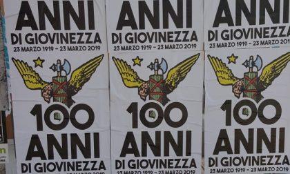 Manifesti fascisti appesi a Castegnato