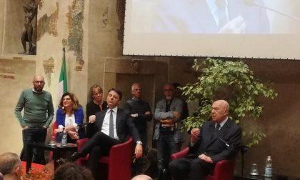 Sala civica gremita a Castenedolo per Matteo Renzi