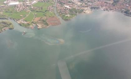 Allarme inquinamento: chiazze iridescenti nel lago d'Iseo