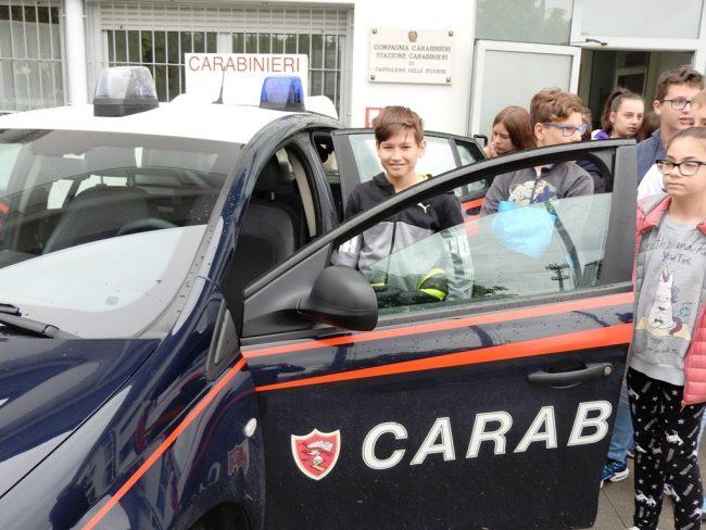 Gli studenti dai Carabinieri