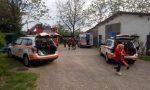Gli crolla una catasta di legna addosso: 78enne in ospedale VIDEO