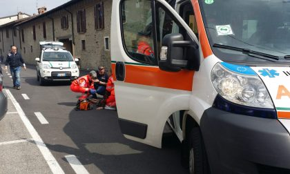 Ciclista investita a Cazzago: ferita una donna di 83 anni