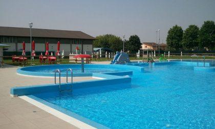 Ben 687 firme per riaprire la piscina