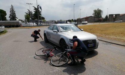 Ciclista investito alla rotonda tra via Montichiari e via Industriale a Ghedi