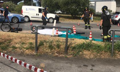 Ciclista investito da un camion: muore ex idraulico di Desenzano