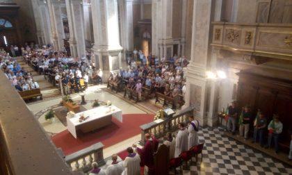 Chiesa gremita a Palazzolo per l'addio a Luciano Demasi VIDEO