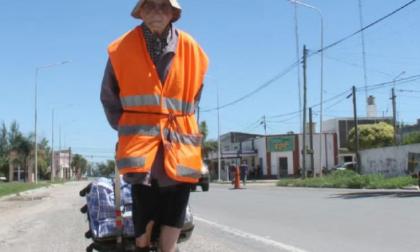Emma Morosini, 95 anni è partita da Mantova a piedi per raggiungere la Polonia