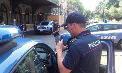 Rapina un supermercato minacciando col coltello la cassiera: arrestato