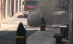 Auto in fiamme a Castiglione, ustionato un ragazzino
