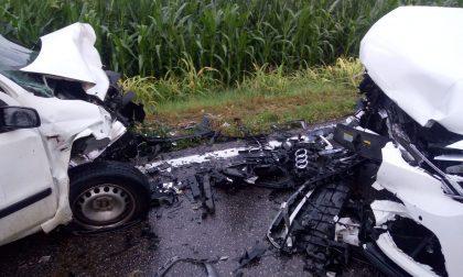Grave frontale fra due auto tra Roccafranca e Orzinuovi