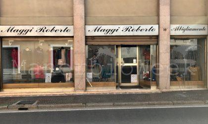 Pontevico atti vandalici per uno storico negozio del centro