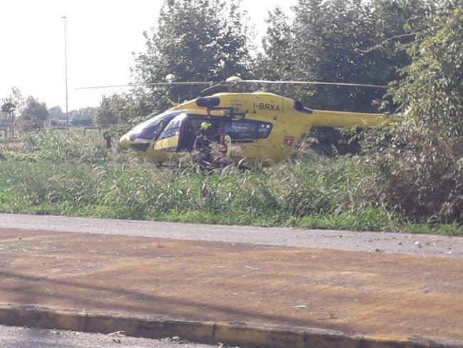 Grave incidente sul lavoro: 50enne precipita dal tetto, interviene l'elisoccorso