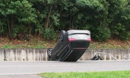 Auto ribaltata sulla tangenzialina ad Adro