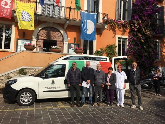 Inaugurazione autoveicolo per trasporto disabili a Gardone Riviera