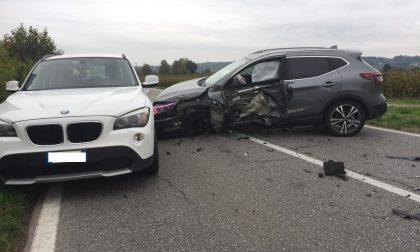 Incidente sulla sp11 a Corte Franca: Tir contro auto