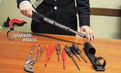 Controlli dei Carabinieri, trovato un ricercato nelle case popolari di Manerbio