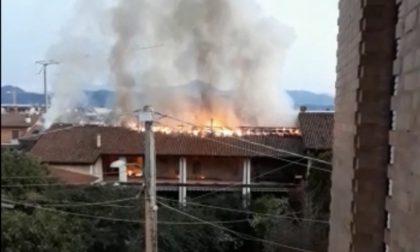 Incendio a Castrezzato, a fuoco una cascina VIDEO