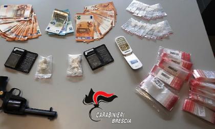 Pensionato spaccia cocaina: arrestato
