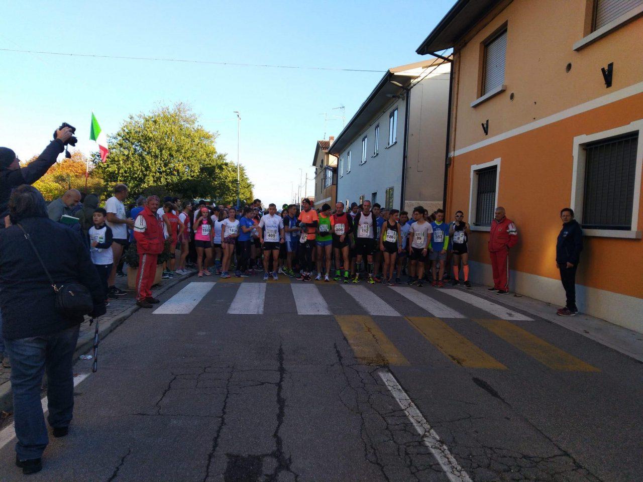 Grande gara podistica a Castelletto di Leno: in tanti pronti a correre per le vie del paese - Brescia Settegiorni