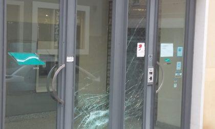 Fanno esplodere il bancomat a Manerbio: via con 30mila euro