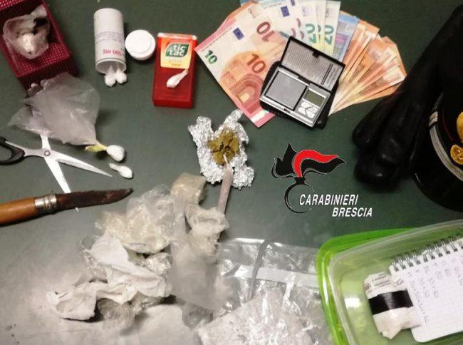 Avevano in casa un market della droga: arrestati due fratelli