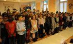 I bambini celebrano il IV Novembre con una mostra e diversi canti