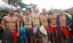 Un tuffo nel lago per beneficenza, folla a Paratico e Sarnico
