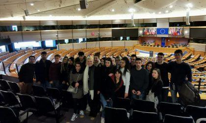 L'istituto Cesare Battisti di Salò al Parlamento Europeo con l'on. Zambelli