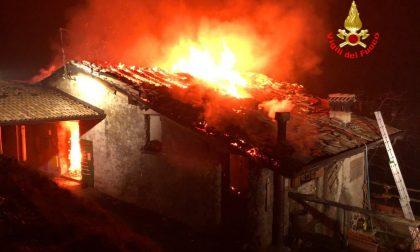 Paura a Bovegno: brucia una casa di due piani
