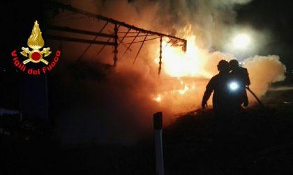 Camion prende fuoco a Palazzolo: chiusa la A4 per Milano GALLERY