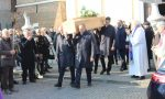 Una folla commossa a Dello per l'ultimo saluto a Roberto Castelli