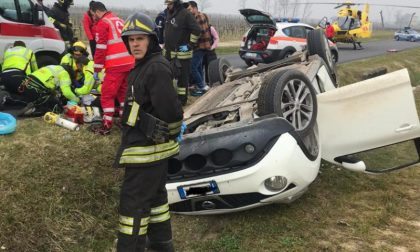Auto fuori strada a Pozzolengo, trasportato in elicottero bimbo di 15 giorni